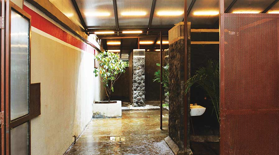 Toilet at Railway station by RC Architects
